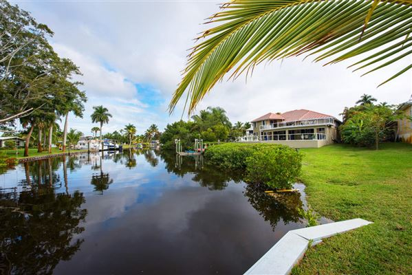 Coral springs water view